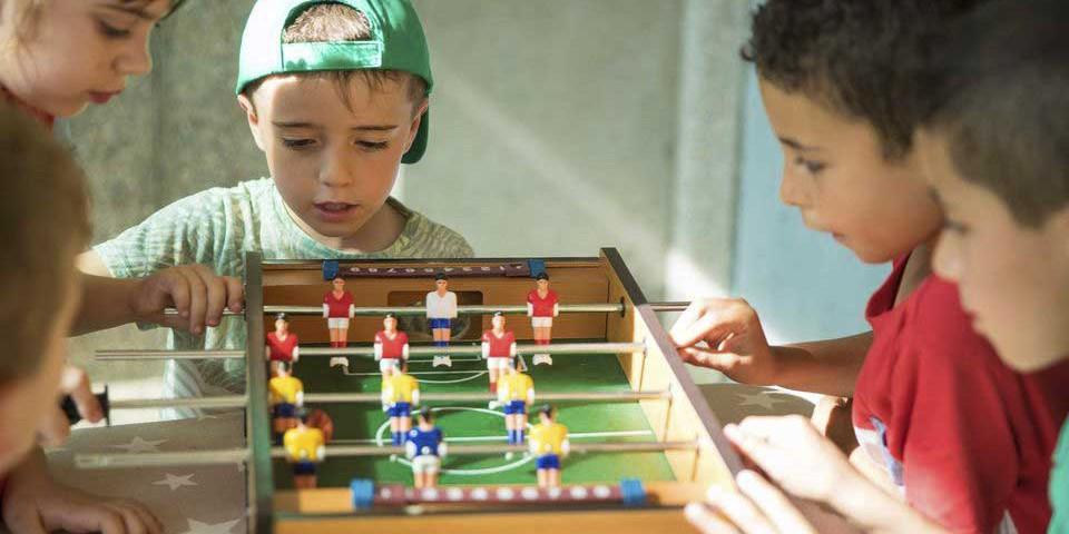 animacion-juegos-futbolin-camping-verano